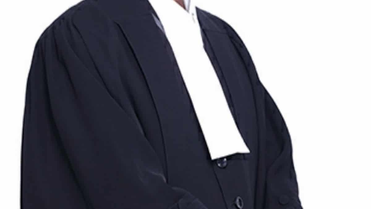 Advocate Gown and Band