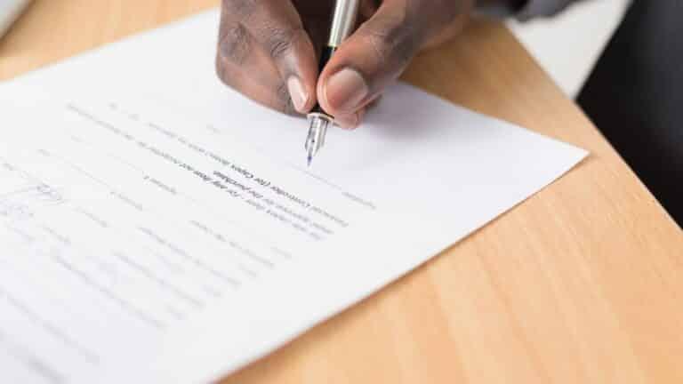 जज के फर्जी हस्ताक्षर कर दो क़ैदियों को करवाया रिहा, कोर्ट के लिपिक ने…